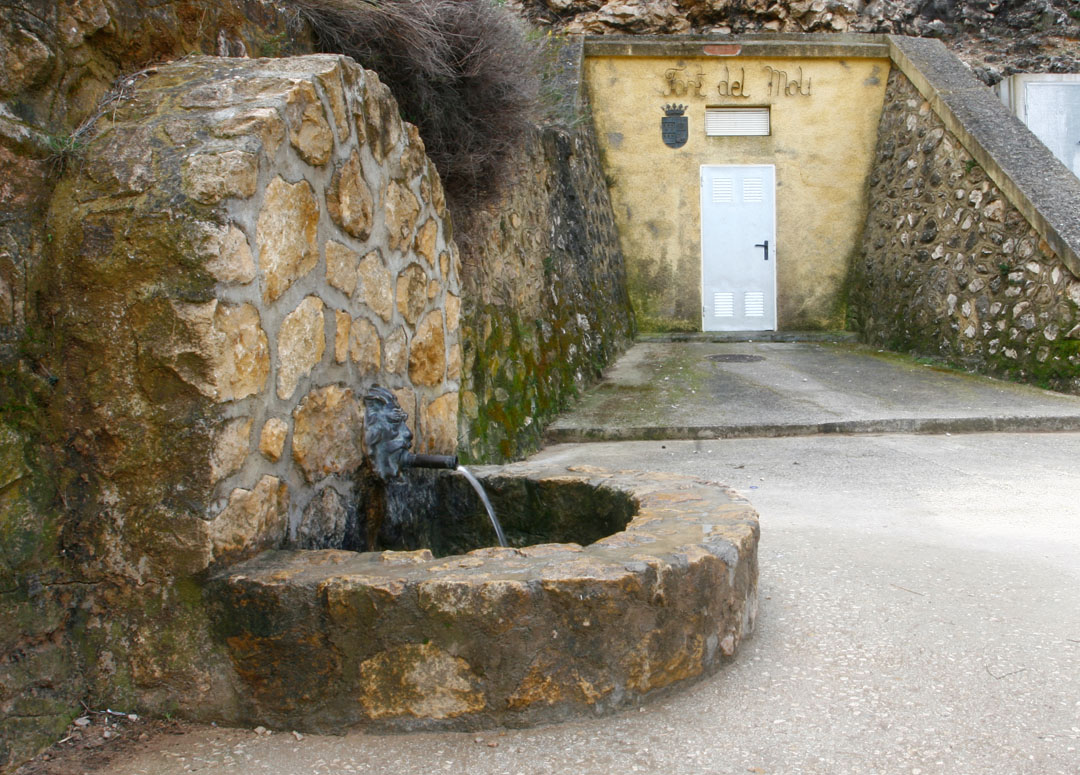 Font del Molí located in the municipality of Benimantell